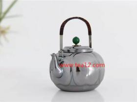 银壶花瓣烧水银壶的使用方法、注意事项和保养秘诀