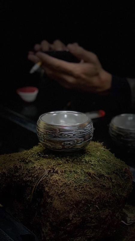 养出来七彩色的非物质文化遗产传承人黄丽君龙凤鎏银杯