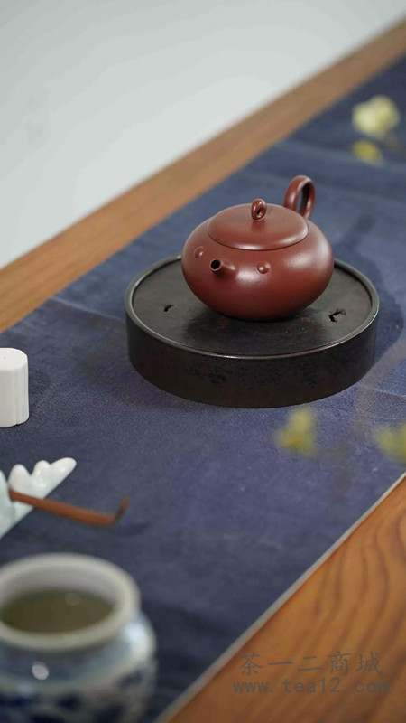 陈宗宝紫砂壶作品鱼水情深