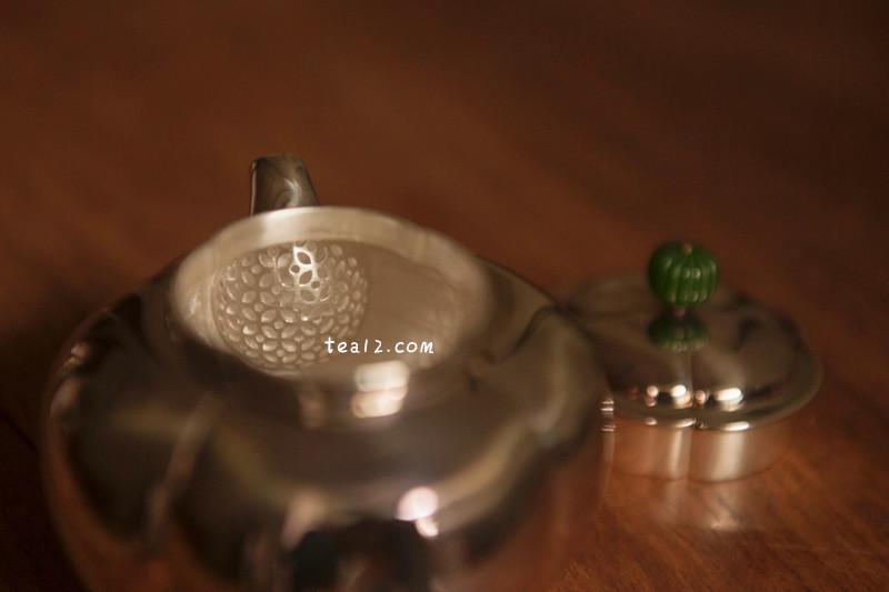 如意菊瓣小泡银壶