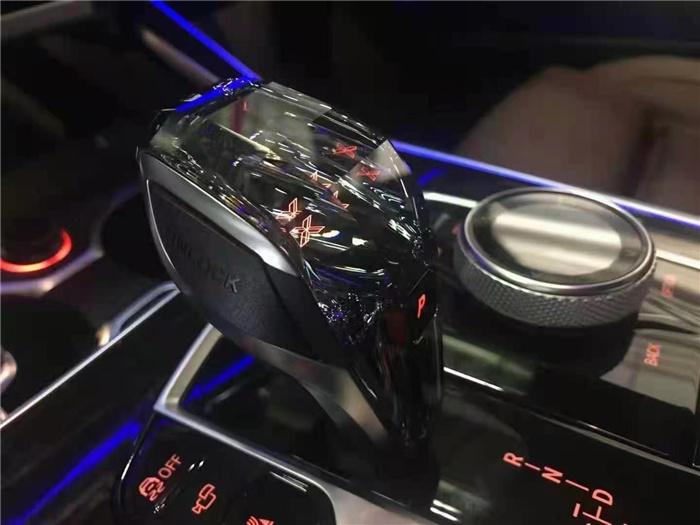 宝马X7国六21款加版白咖报价