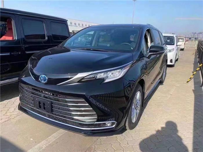 丰田塞纳21款混动2.5十种配置报价国6接受预订