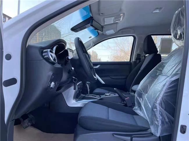 奔驰皮卡X250D柴油报价及图片